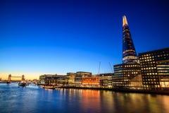 伦敦在微明的市地平线 库存图片