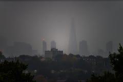 伦敦地平线剪影  库存照片