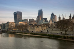 伦敦地平线和伦敦塔 免版税库存图片