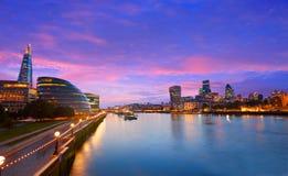 伦敦地平线日落香港大会堂和财政 库存照片