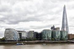 伦敦地平线,与市政厅,碎片和伦敦riversi 库存图片