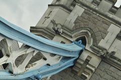伦敦塔桥梁艺术性的角度 免版税库存图片