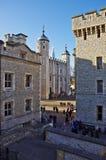 伦敦塔的庭院 免版税库存照片