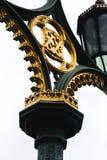伦敦威斯敏斯特桥梁灯岗位设计 免版税库存图片