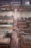 伦敦市、企业和银行业务唱腔 太阳集合的伦敦的全景 从圣保罗大教堂的看法 免版税图库摄影