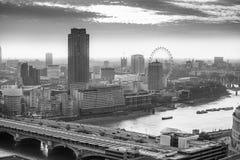 伦敦市事务,办公室和开户区域 库存图片