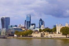伦敦市和伦敦塔视图 库存照片