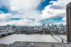 伦敦形式看法现代的塔特 免版税库存图片