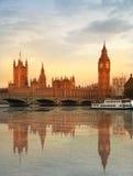 伦敦日落 本大房子议会 免版税库存图片