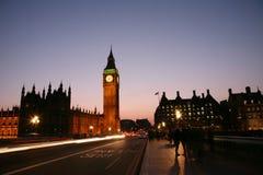 伦敦晚上视图威斯敏斯特 库存图片