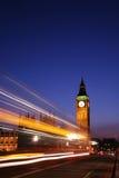 伦敦晚上视图威斯敏斯特 免版税库存图片