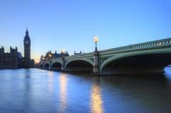 伦敦晚上议会地平线 图库摄影