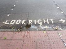 伦敦查找权利 免版税库存图片