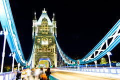 伦敦桥梁,夜 库存照片