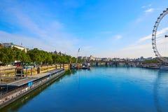 伦敦河地平线泰晤士 免版税库存照片