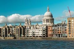 伦敦河或泰晤士河在伦敦 库存照片