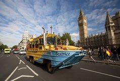 伦敦游览车 免版税库存图片
