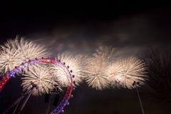 伦敦烟花 免版税库存图片
