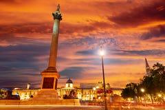 伦敦特拉法加广场日落纳尔逊专栏 免版税库存图片