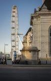 伦敦眼和狮子 免版税库存照片