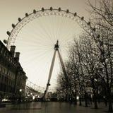 伦敦眼外部看法,夜 免版税库存图片