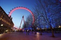 伦敦眼外部看法,夜 免版税库存照片
