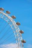 伦敦眼弗累斯大转轮关闭在伦敦,英国 免版税库存照片