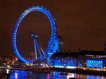 伦敦眼睛在夜之前 库存照片