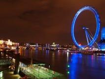 伦敦眼睛在夜之前 库存图片
