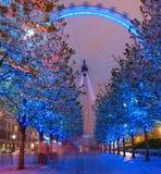 伦敦眼睛在晚上 库存图片