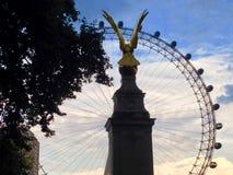 伦敦眼码头,伦敦,英国 免版税库存照片