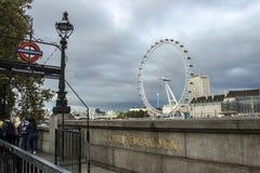 伦敦眼-千年轮子 免版税库存图片