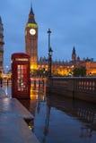 伦敦符号: 电话亭,计时大笨钟 免版税库存图片