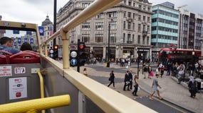 伦敦红色公共汽车游人 库存照片