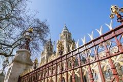 伦敦自然历史博物馆的外部在一个晴天 免版税图库摄影