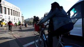 伦敦自行车通勤者 股票视频