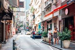 伦敦苏豪区街道和游人人在香港 库存图片
