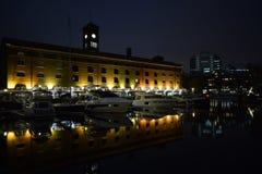 伦敦英国02/12/2017 在的夜生活游艇 免版税库存图片
