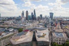 伦敦视图 42个全球编译的中心城市替换财务的嫩黄瓜包括导致的伦敦一库存塔视图willis 从圣保罗大教堂的看法 库存图片