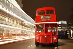 伦敦途径重要资料公共汽车 库存照片