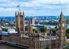 伦敦都市风景有议会的大本钟房子的  免版税库存图片