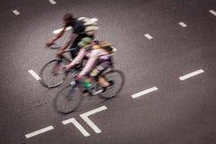 伦敦骑自行车者 库存照片