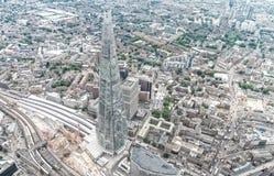 伦敦鸟瞰图有碎片摩天大楼和城市地平线的 库存图片