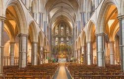 伦敦,大英国- 2017年9月17日:圣詹姆斯西班牙人位置教会教堂中殿  库存图片