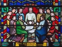 伦敦,大英国- 2017年9月16日:最后的晚餐彩色玻璃在教会圣Etheldreda的 库存照片