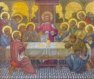 伦敦,大英国- 2017年9月17日:最后的晚餐的马赛克在教会圣Barnabas的 库存照片