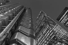 伦敦,大英国- 2017年9月15日:现代建筑学和方形的近的北部格林威治驻地 库存图片