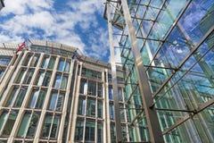伦敦,大英国- 2017年9月14日:现代政府大厦 免版税库存照片