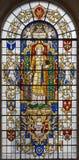 伦敦,大英国- 2017年9月14日:St亚历山大凯瑟琳彩色玻璃的在教会圣劳伦斯Jewry里 库存照片