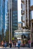 伦敦,现代英国建筑学,与天空反射的玻璃纹理 城市伦敦 免版税库存照片